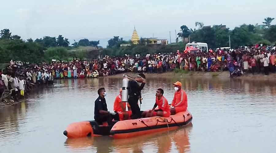 NDRF team search for the body in Hazaribagh on Monday.