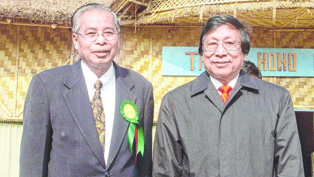 Isak Chishi Swu with Thuingaleng Muivah.