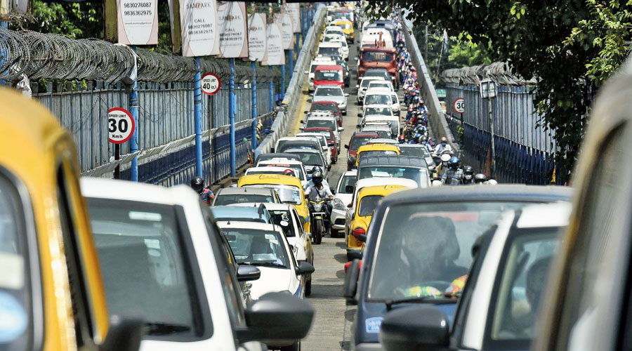 Vehicles stuck in snarls on Lockgate flyover on Tuesday morning. Snarls have become a regular feature on the flyover since the dismantling of the Tallah bridge.