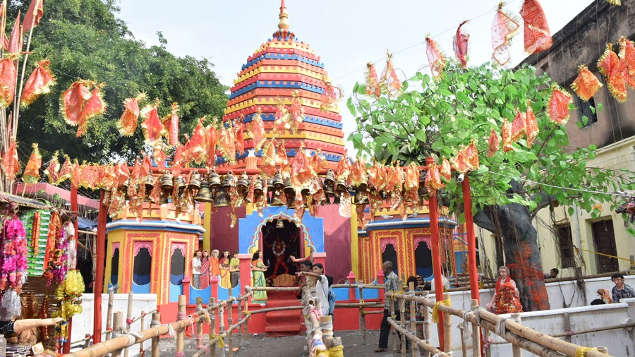 The Navyuvak Sangharsh Samiti Puja pandal in Manaitand, Dhanbad, last year. It was conceived by artist Shyamal Sen and based on the famous Lilori Temple.