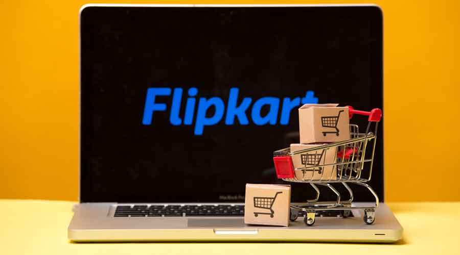 A bench headed by Chief Justice S.A. Bobde issued notices to the Competition Commission of India (CCI) and the All India Online Vendors Association (AIOVA) for their response on the appeal filed by Flipkart challenging the NCLAT order.