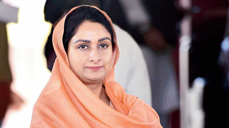 BJP ally Shiromani Akali Dal's lone Union minister Harsimrat Kaur Badal  quits over 'anti-farmer' bills - Telegraph India