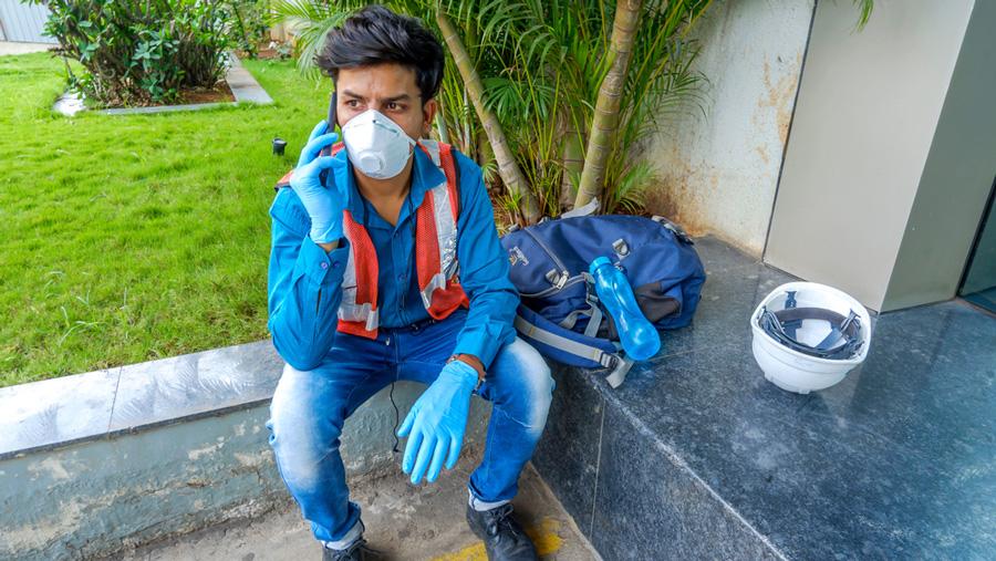 Telecom technician in Pune, Maharshtra.