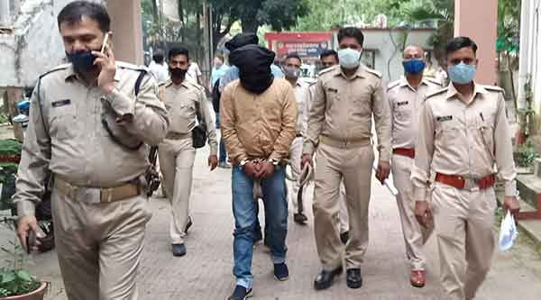 The four arrested being taken to Dhanbad.
