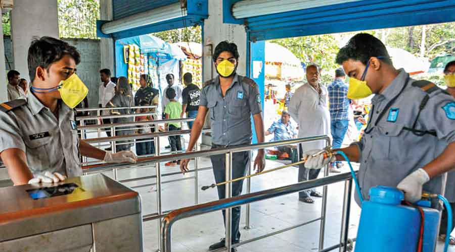 Officials at the Alipore zoo said they were planning to cap the daily visitor count at 5,000