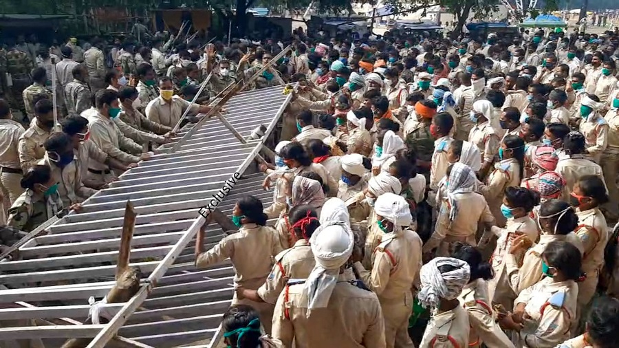 Police assistants on a dharna at Morabadi in Ranchi on Friday