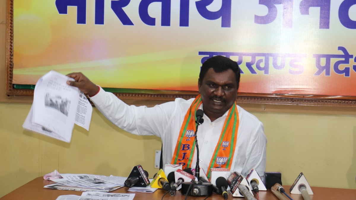 BJP MLA and SC wing president Amar Bauri addresses the media at the party headquarters in Ranchi on Sunday.
