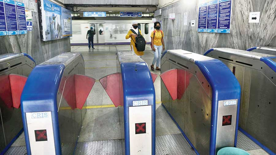 The number of Metro passengers was around 20,000 — way below the 100,000 cap that Metro officials geared up for in the run-up to the resumption of commercial services — on September 14, the first day when services resumed