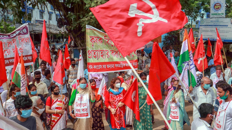 Members of various political parties block Santiniketan road during a protest against the farm bills passed in both the Houses of Parliament recently, at Bolpur in Birbhum district on Friday.