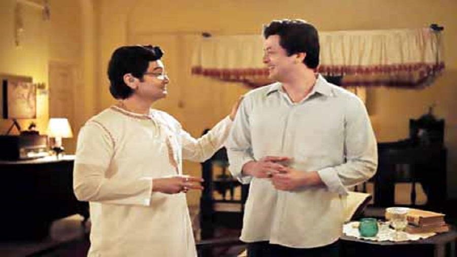 Prosenjit and Jisshu Sengupta on the sets pre-Covid