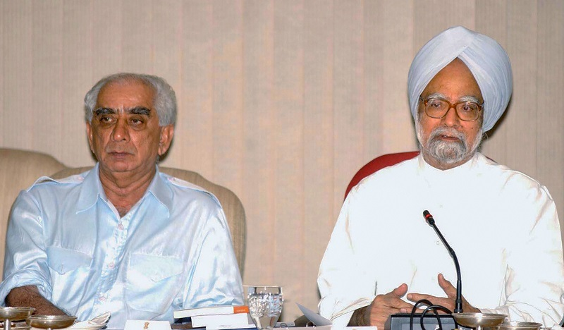 File photo, dated Aug 23, 2004, of former Union Minister Jaswant Singh with former Prime Minister Manmohan Singh, in New Delhi.