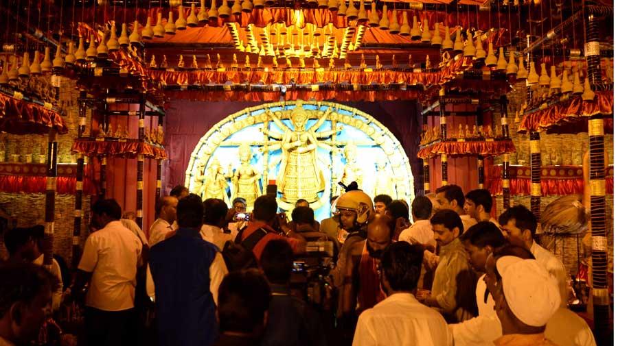 Visitors at the Bandgadi Puja in Ranchi last year.