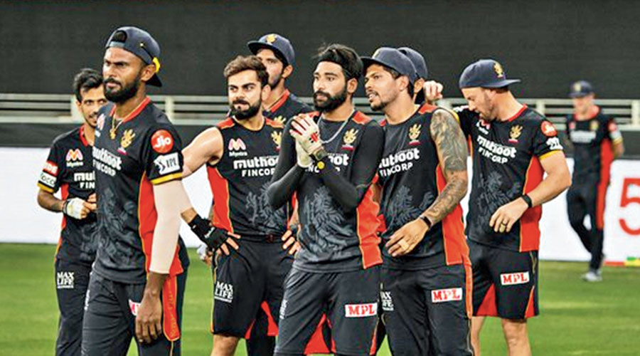 Captain Virat Kohli with Royal Challengers Bangalore teammates during a practice session.