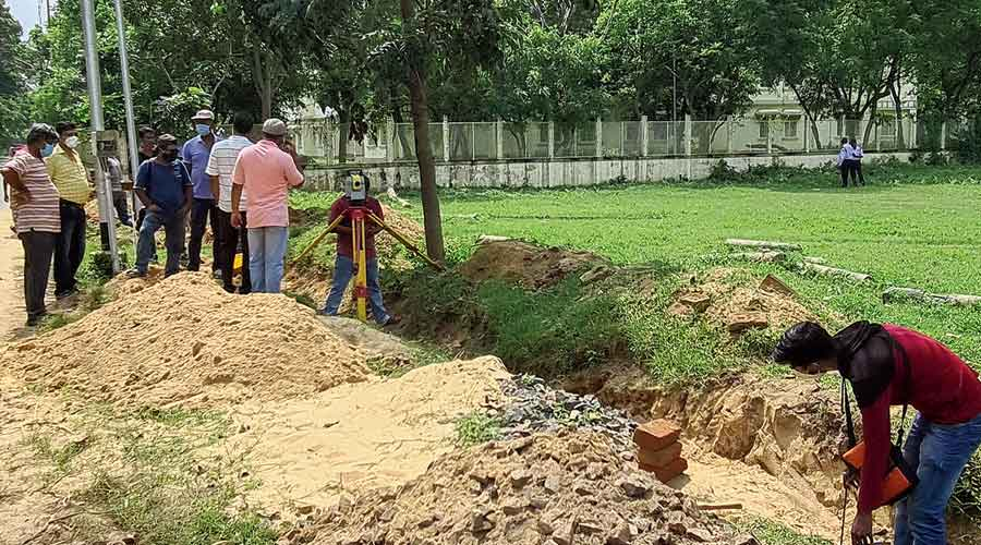 The work to fence the Pous Mela ground on Monday