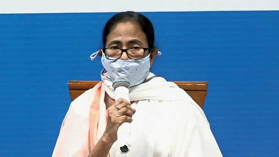 Mamata at the review meeting in Siliguri on Tuesday