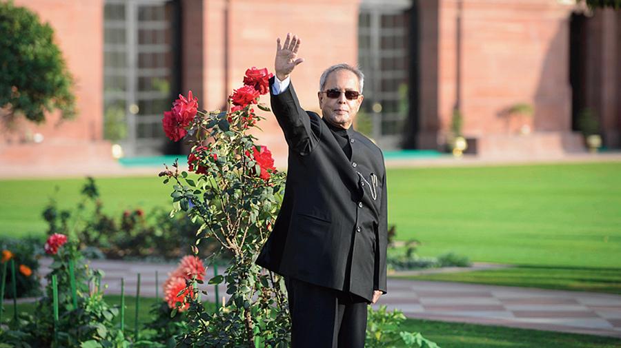 Pranab Mukherjee - Mughal Gardens - Rashtrapati Bhavan.