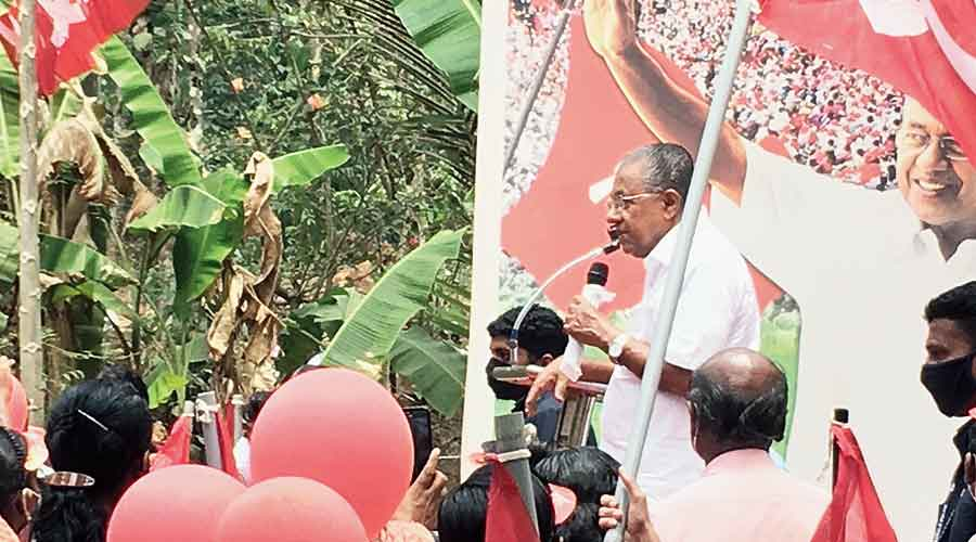 Vijayan campaigns in his constituency, Dharmadam