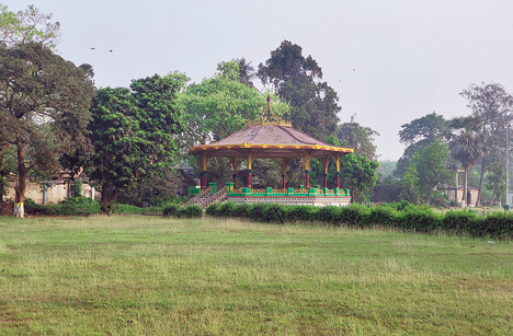 The Band Stand, Eden Gardens, shot from a distance but the picture retains most of the details
