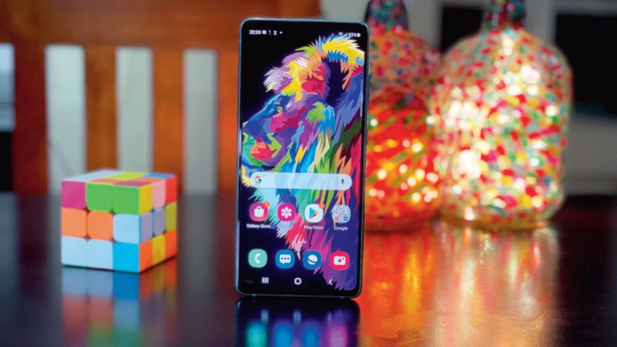 Samsung Galaxy S20 FE 5G offers a tough fight to the recently-launched OnePlus 9.