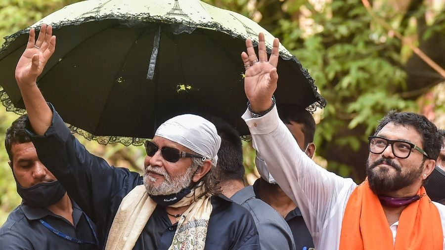 Mithun Chakraborty at a roadshow at Tollygunge in Calcutta on Thursday.