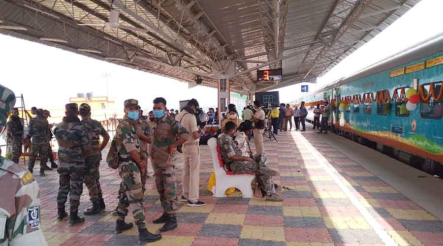 Security personnel patrol Godda station before the Humsafar Express was flagged off by railway minister Piyush Goyal from Delhi on Thursday.