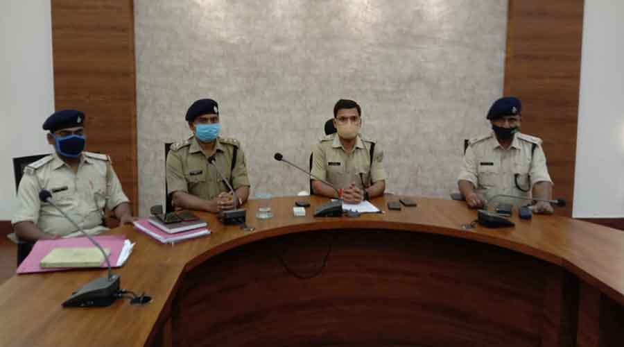 Superintendent of police Prabhat Kumar(second from right) in Ramgarh on Saturday.