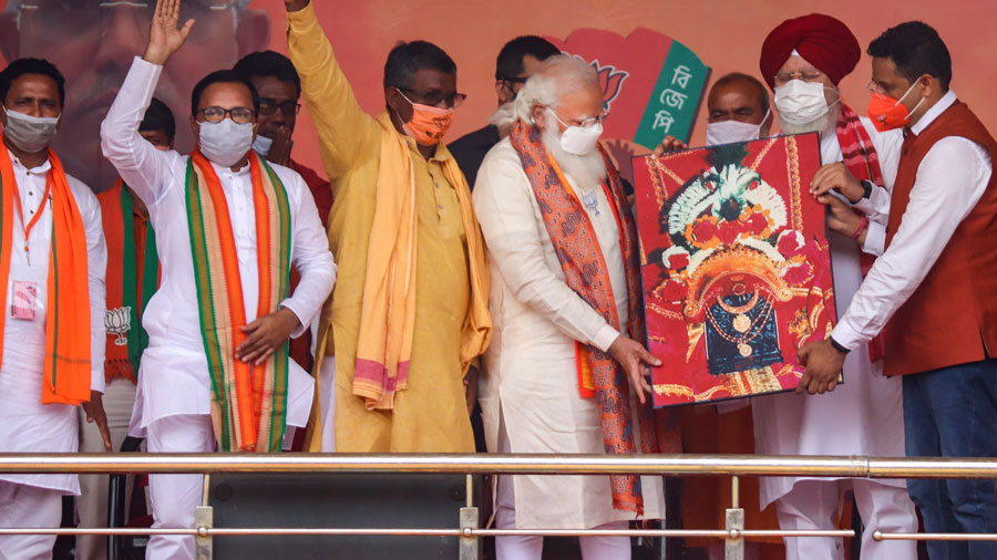 Prime Minister Narendra Modi during an election campaign rally for Bengal Assembly polls, in Burdwan on Monday.