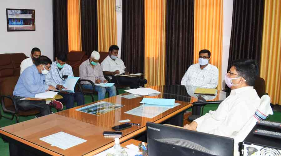 Mohammad Aslam, the district consultant officer, addresses a meeting of Tobacco Control Coordination Committee at Collectorate Hall on Monday
