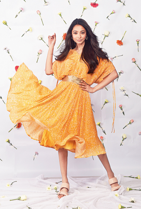 """Easy-breezy is this dress, Neha's take on kaftans. """"I understand it's all about comfort, but that's the stylist in me dying when I see straight-cut kaftans!"""" laughs Neha. She has given her kaftan-inspired dress a golden belt for shape and sassiness."""