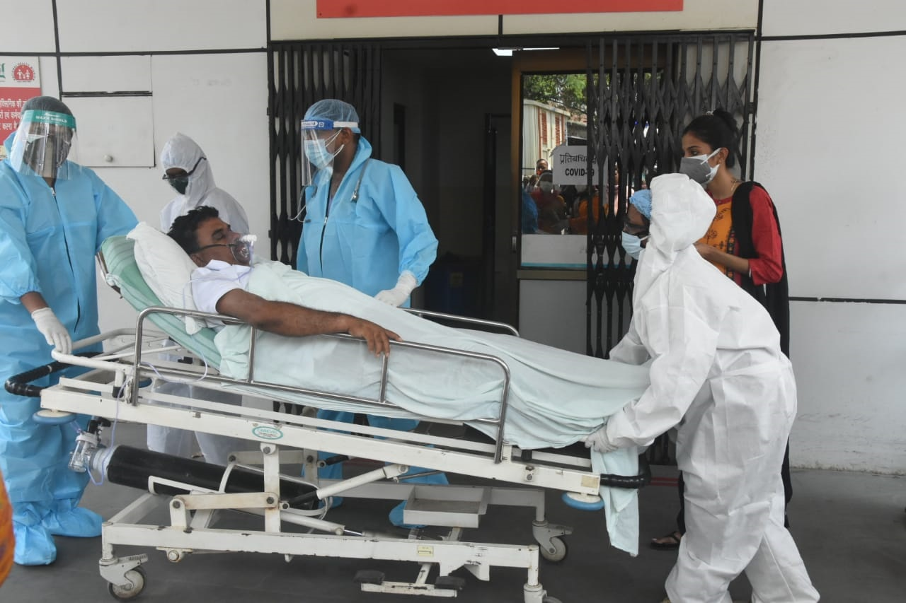 Indrajit Mahto being sent to Ranchi from Asian Jalan Hospital in Dhanbad on Saturday.