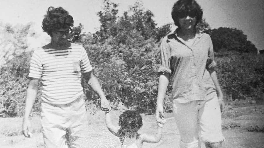 Gautam and Yasmeen Sengupta with daughter Rohini during a trip to Madhupur, now in Jharkhand, in 1979