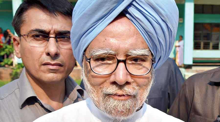 Manmohan writes to PM on Covid
