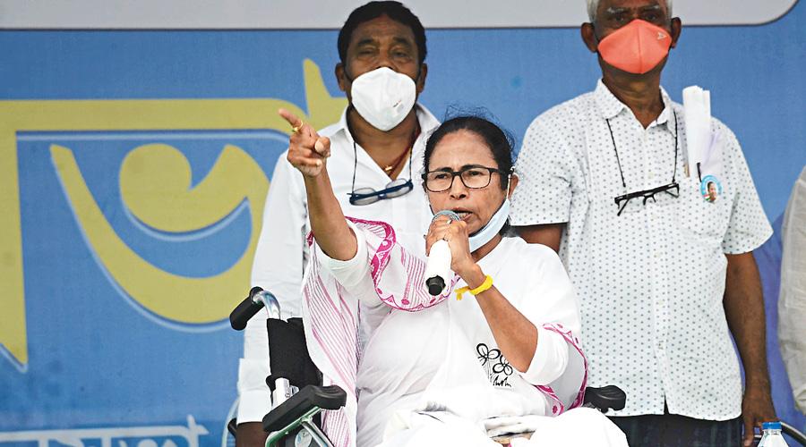 Didi swipes at BJP over Matua candidates
