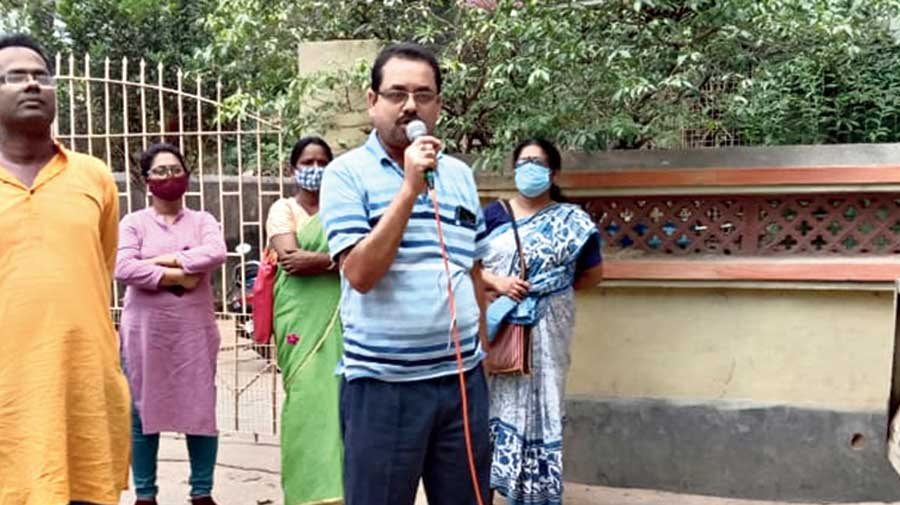 Rajkumar Fulmani campaigns in Birbhum