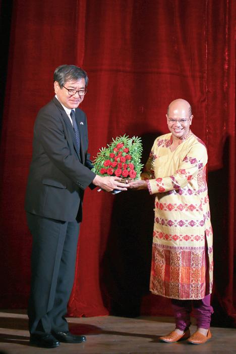Nakamura Yutaka, consul general of Japan with Sudarshan Chakravorty