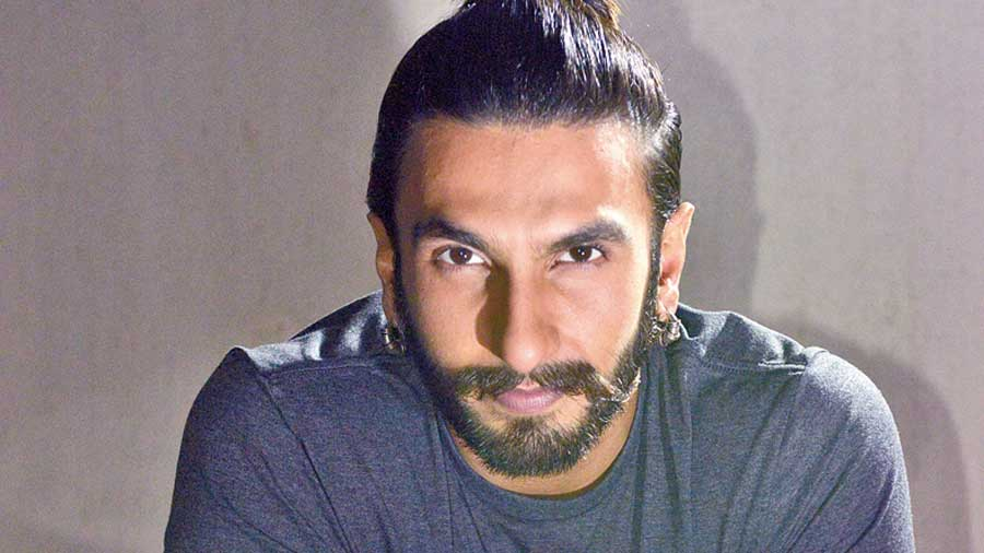 Ranveer Singh has that personality where he could pull off Soulful Trance by Global Desi.