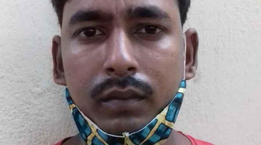అరెస్టయిన యువకుడు మహమ్మద్ జోలో గురువారం.