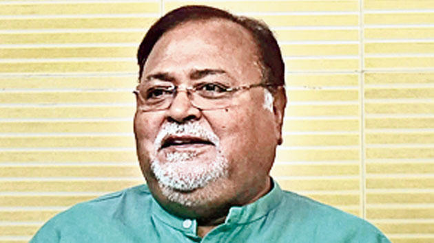 CBI at Bengal minister's door over chit fund scam
