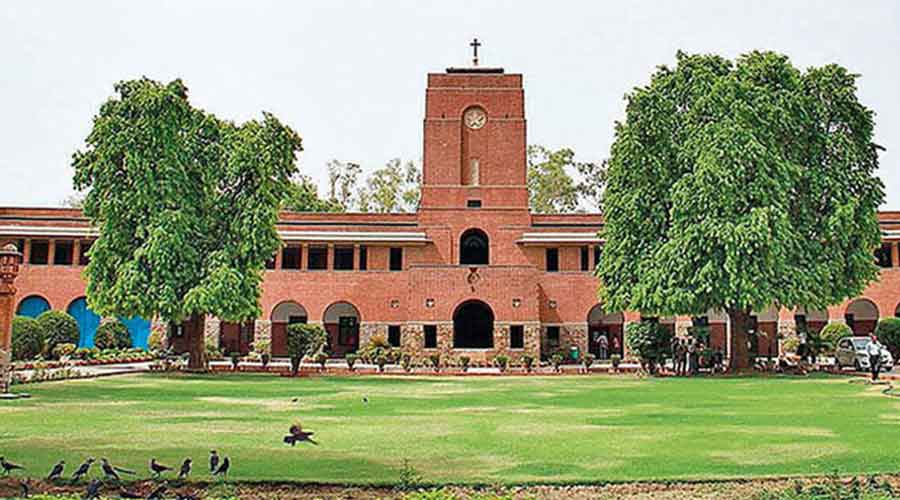 Delhi University  is set for phased opening of colleges, departments and centres