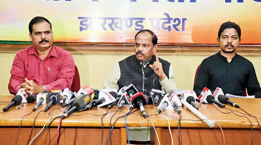 Raghubar Das at the news conference at the BJP party office in Ranchi.