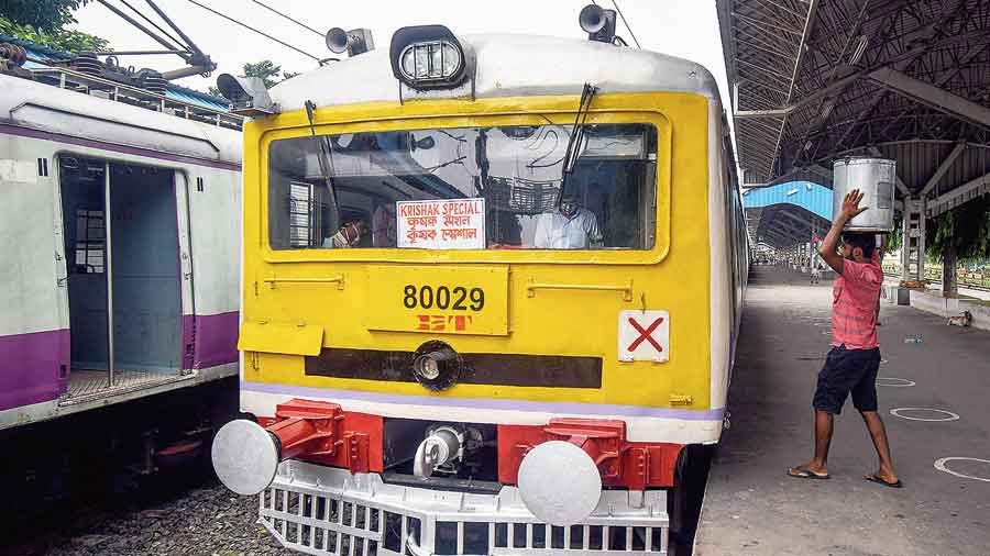 The special train for farmers at Santipur on Thursday