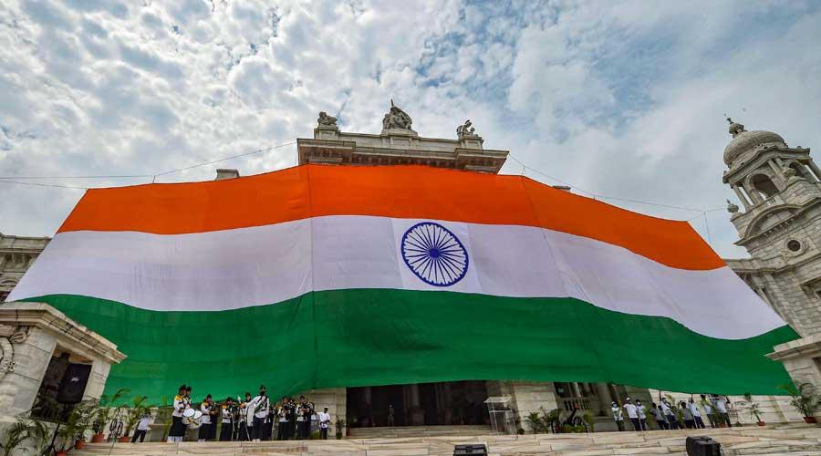 The Tricolour hoisted at Victoria Memorial, Calcutta
