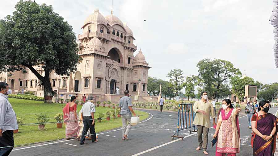 Visitors at Belur Math on Wednesday.