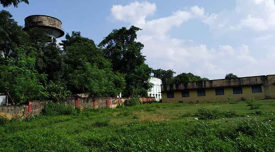 The railway high school in Bagbera where the 28-year-old man was found murdered on Sunday.