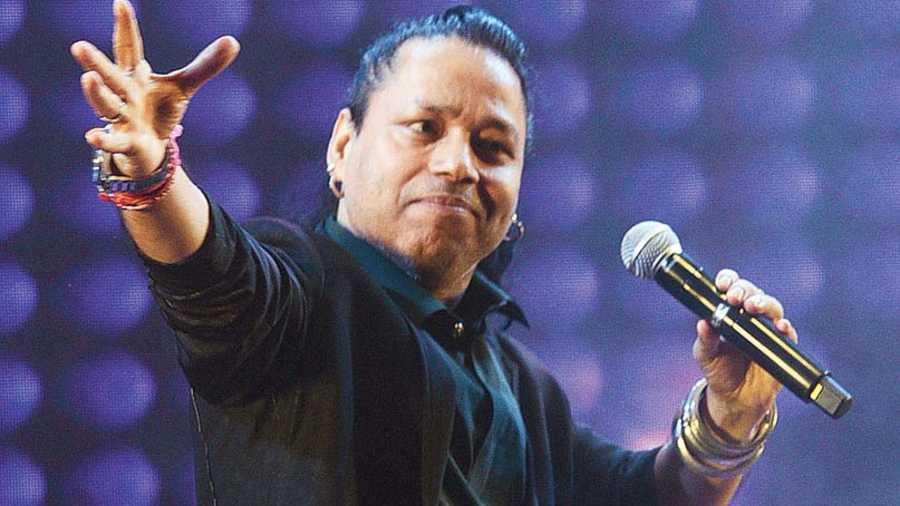 At the event, Kailash Kher sang his hits Saiyaan, Teri Deewani and Bam Lahari