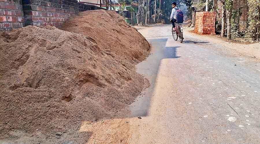 A pile of sand near the accident spot at Tehatta.