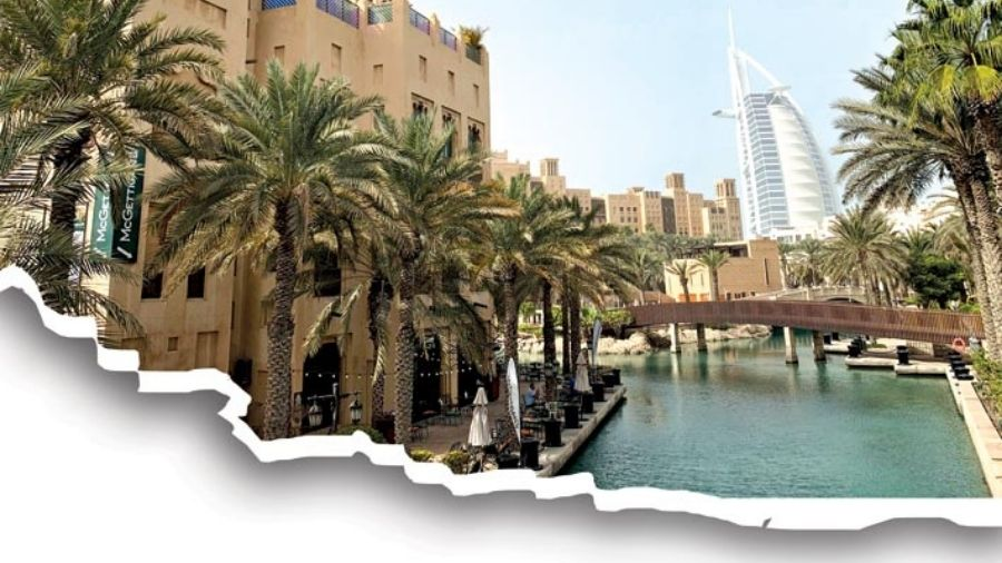 Sitting and idling away your time at Souk Madinat Jumeira, is a beautiful way to spend an afternoon with a few beers.
