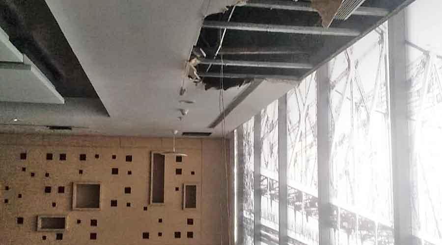 Calcutta airport lounge 'unsafe'