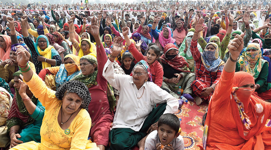 A kisan mahapanchayat at Bahadurgarh in Jhajjar, Haryana, on Friday. The Samyukta Kisan Morcha said that over 10,000 farmers participated in mahapanchayats in Bahadurgarh and Bilari (Uttar Pradesh).
