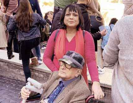 Fraser with her father in front of the Spanish Steps in Rome during a cruise in 2019 which was his special 90th birthday gift